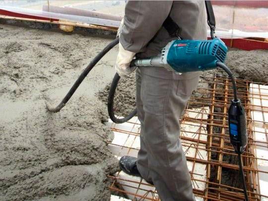 Locação de vibrador de concreto